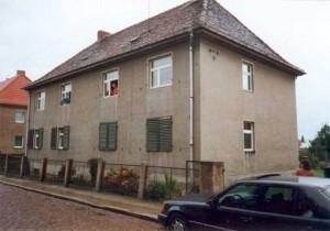 Mehrfamilienhaus vor der Sanierung